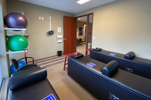 Chiropractor Plymouth MN Adjustment Tables