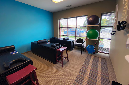 Chiropractor Plymouth MN Therapy Bed Room